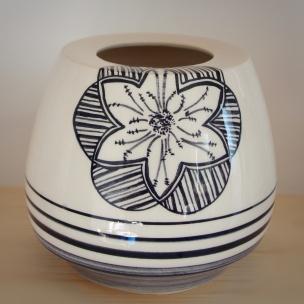 Dans la boîte noire - Virginie Deruelle - Céramique -Vase fleur